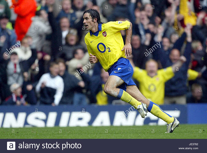 robert-pires-liverpool-v-arsenal-anfield-liverpool-england-04-october-JE3762